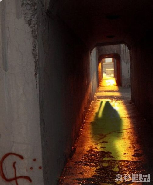 世界最著名的9张鬼影照片