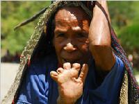 """印尼达尼女人""""断指""""习俗(图)"""